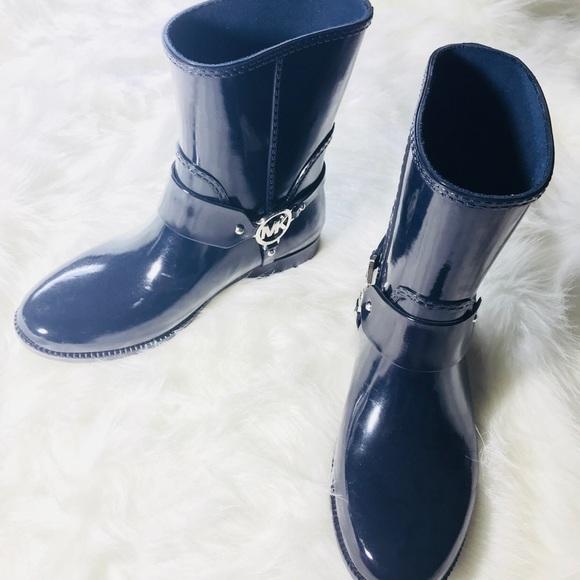 NWOT MICHAEL KORS navy blue women s rain boots. M 5a717543a4c4856868c4fdb0 4b16bde9dd